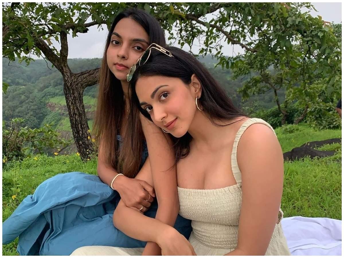 Kiara Advani enjoys a day out with sister Ishita Advani; view pics ...
