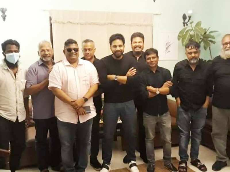 Photos: Mysskin celebrates his birthday with a group of classic Tamil directors