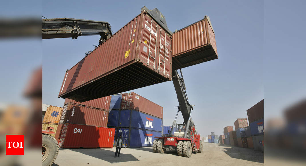 'India's imports from China dip 27.63% in Apr-Aug'