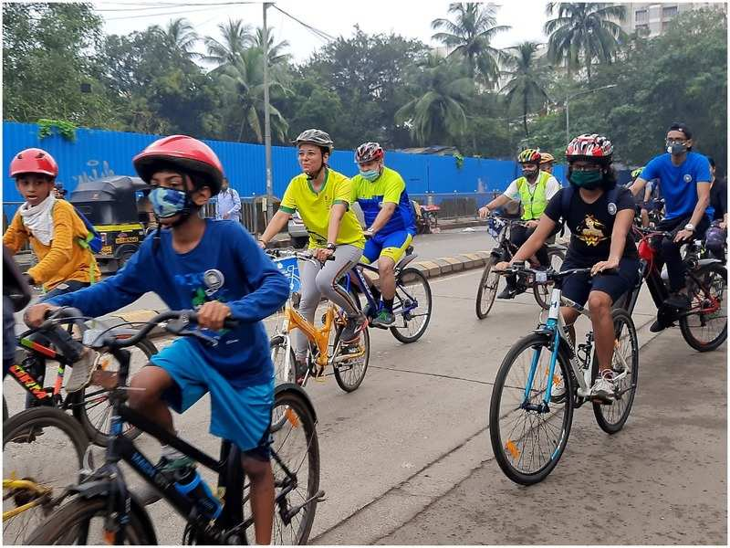 The cyclists during their fun ride in Andheri (East)