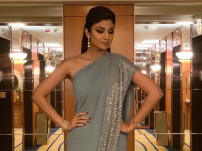 Shilpa Shetty's 6 HOT sari experiments