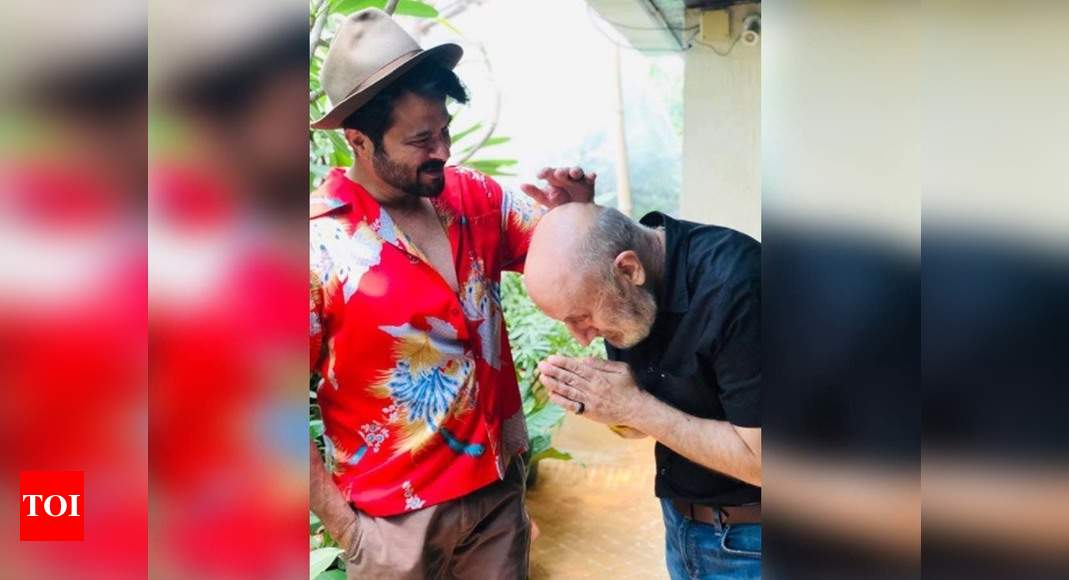 Photo: Anupam Kher thanks Anil Kapoor