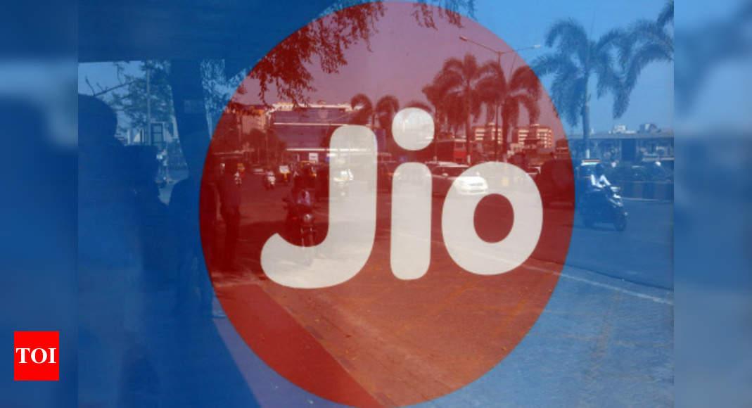 VIL, Airtel lose over 59L users; Jio adds 45L: Trai