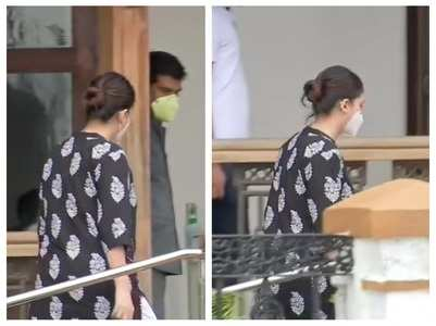 Deepika's manager arrives at the NCB office