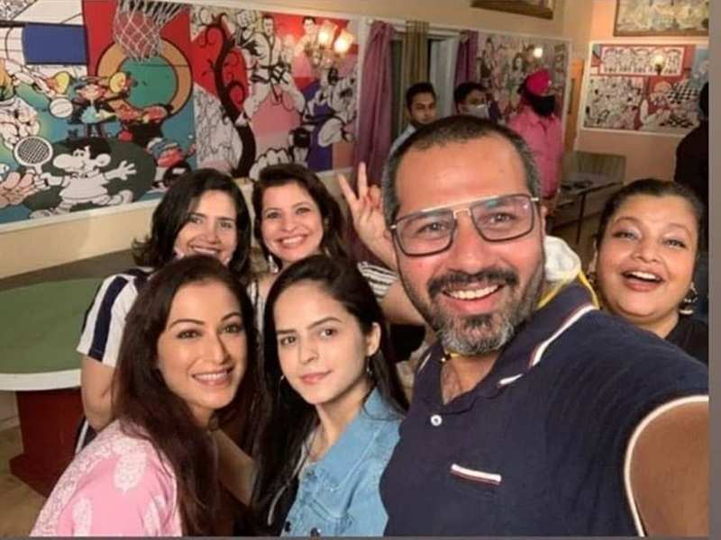 Taarak Mehta Ka Ooltah Chashmah's cast parties together as they celebrate completion of 3000 'Happy-sodes'