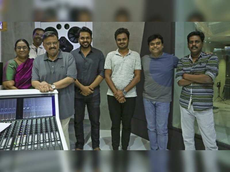 When SPB clicked a picture of Harris Jayaraj