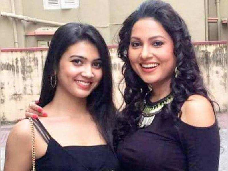 Rajnandini's surprise for mom Indrani on Daughter's Day