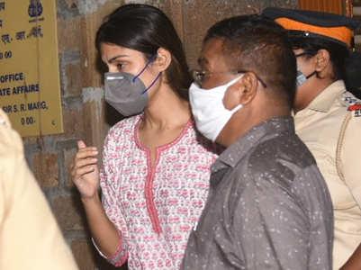 Will Rhea Chakraborty pen a tell-all book?