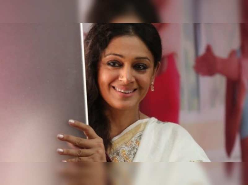 Shobana writes, 'The best thing about Covid is that someone at home is learning'