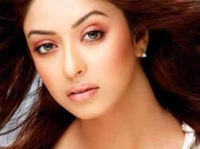 Payal Ghosh demands Y category security