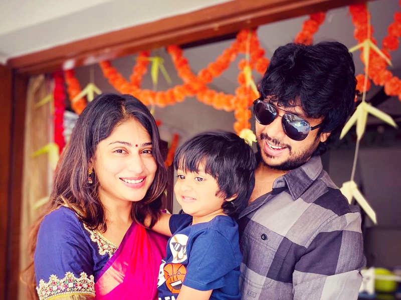 Here's how Bigg Boss Tamil 2 finalist Vijayalakshmi and hubby Feroz Mohammed celebrated their 5th wedding anniversary (Photo - Instagram)