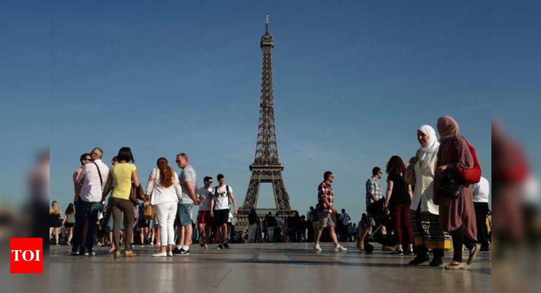 Paris Blast: Paris rocked by fighter jet breaking sound barrier | World News – Times of India