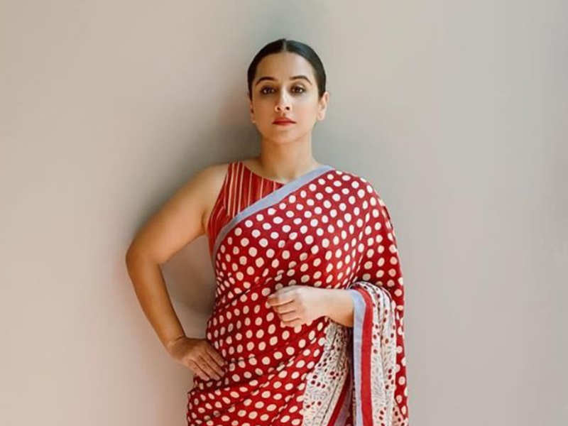 Vidya Balan looks ravishing in THIS polka dot saree