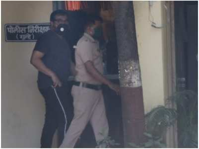 Anurag reaches Versova police station