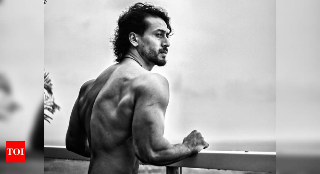 Tiger Shroff's monochrome picture is a sight for the sore eyes - Times of India