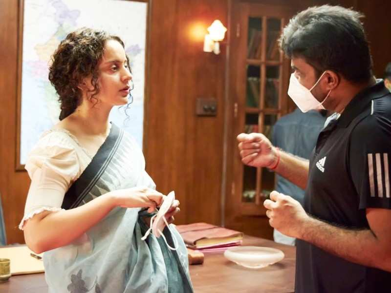Kangana Ranaut shares pictures from the sets of 'Thalaivi'