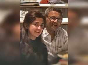 Monali Thakur mourns the demise of her father