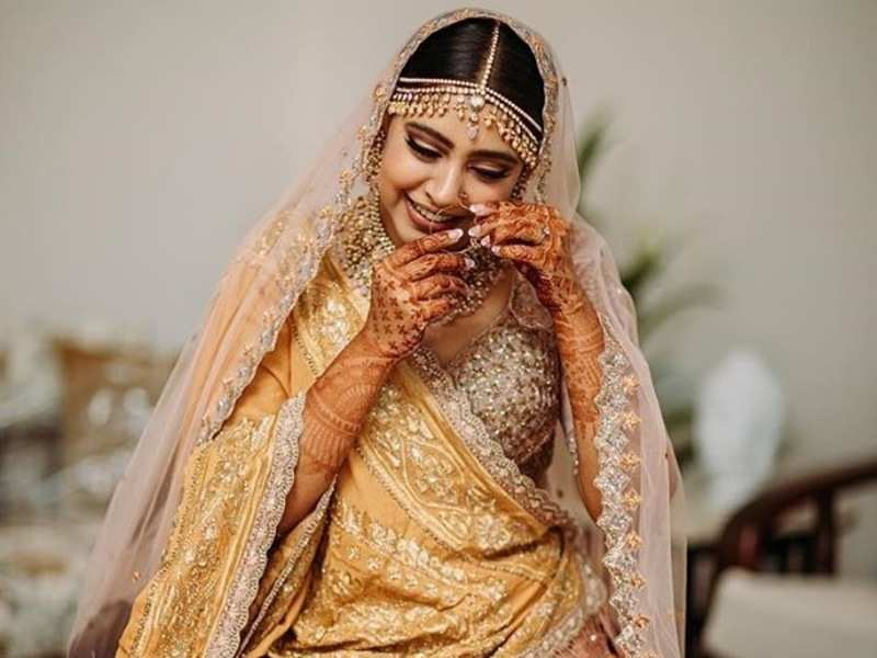 TV actress Niti Taylor's stylish wedding pictures are going viral thanks to their sheer beauty