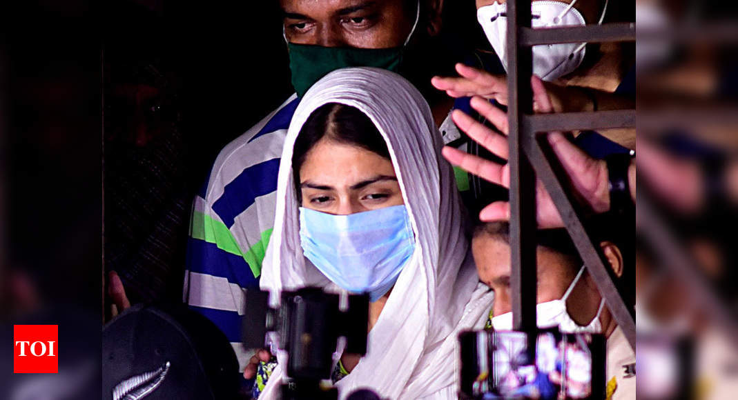 Rhea Chakraborty released after 28 days in jail; Sushant's family lawyer seeks fresh forensic probe - Times of India