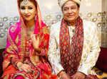 Viral wedding pictures of Jasleen Matharu and Anup Jalota