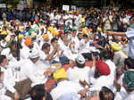 Arvind Kejriwal joins protest against farm laws