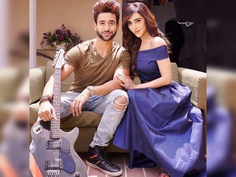 Madhav Mahajan & Angela Krislinzki