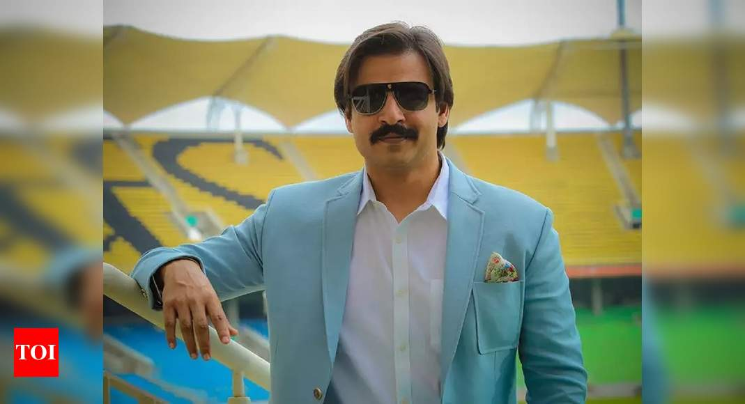 Drugs case: Vivek Oberoi's Mumbai house searched by police as they look for his brother-in-law Aditya Alv - Times of India