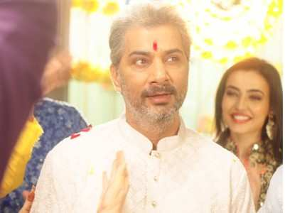 Varun gets nostalgic about his real wedding