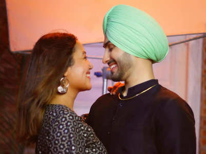 Neha, Rohanpreet's 'Love at first sight' pic