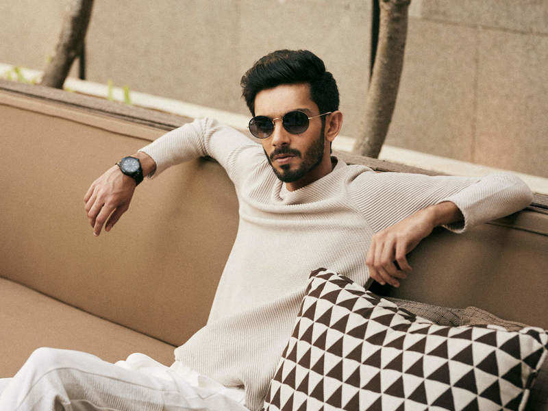 Anirudh rings in birthday; wishes pour in for the musician
