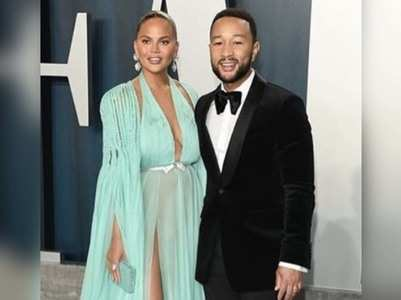 John Legend pens loving note to Crissy Teigen