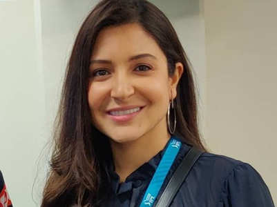 Anushka Sharma stuns in THIS viral picture