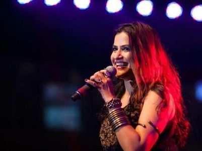 Sona Mohapatra's sassy response to a troll