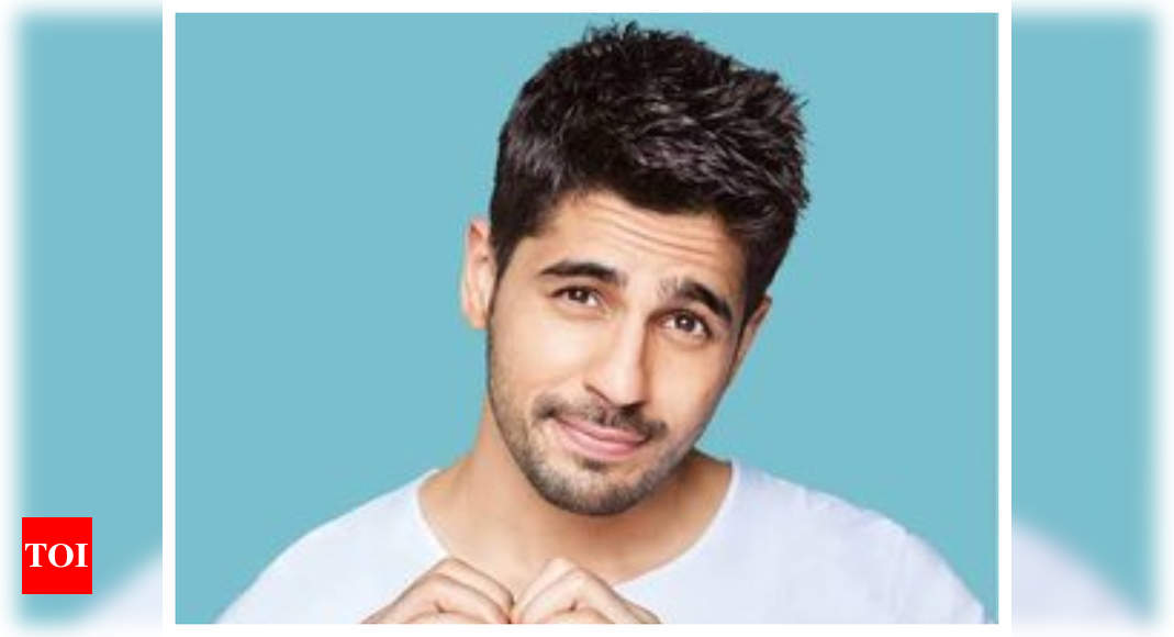 Sidharth Malhotra thanks his fans for all the love and support as he completes 8 years in Bollywood – Times of India