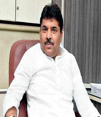 Sharma resigns as AMC Oppn leader over Cong infighting