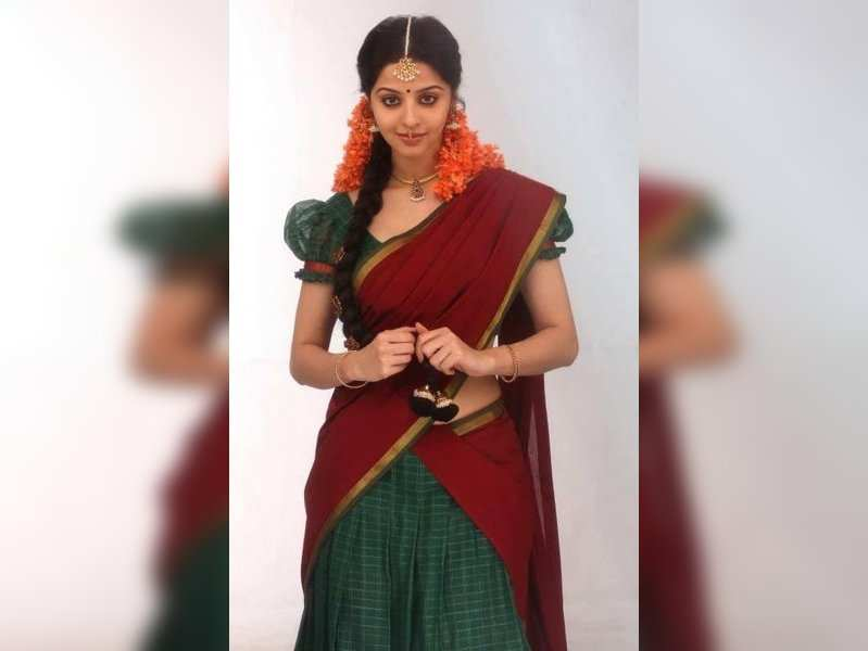 Vedhika is in love with the Tamil language