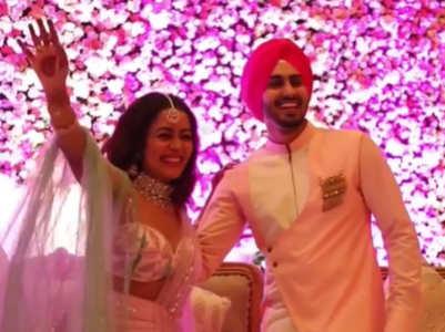 Neha, Rohanpreet's grand Roka ceremony