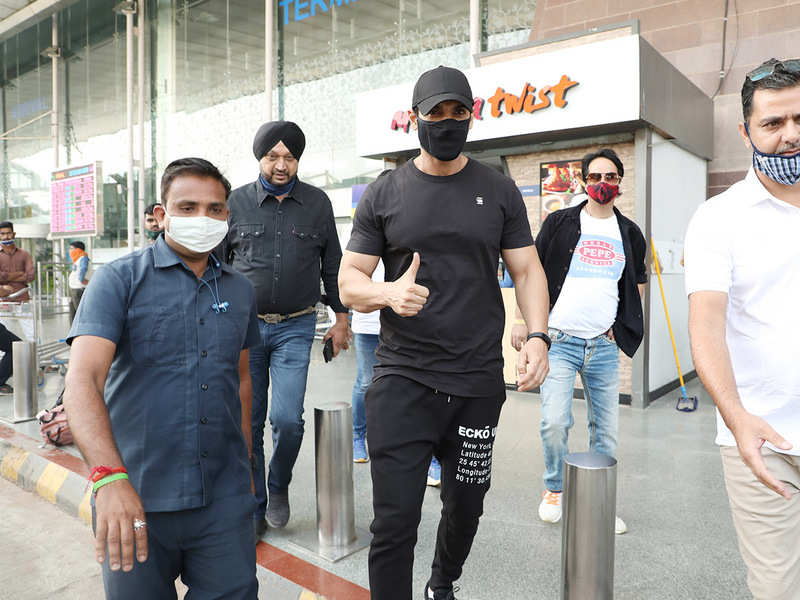 John Abraham arrived in the city early on Tuesday morning to begin shooting for Satyamev Jayate 2 (BCCL/ Aditya Yadav)