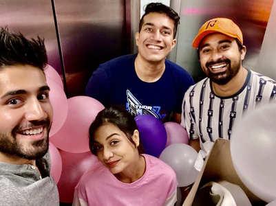 Varun calls gf Divya & Rannvijay family