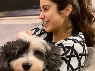 Janhvi posts an aww-dorable pic with her pooch