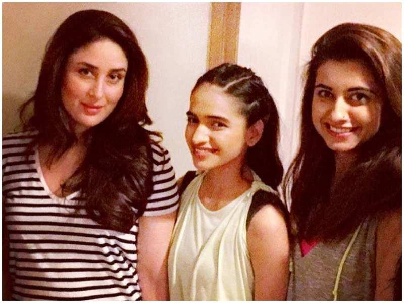 Picture Courtesy: Kareena Kapoor Khan fanclub on Instagram