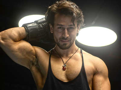Video: Tiger Shroff hits the gym