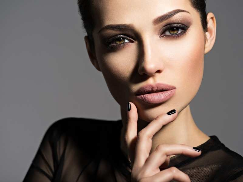 Nude make-up to gold smokey eyes: Festive beauty trends to try this season! - Times of India