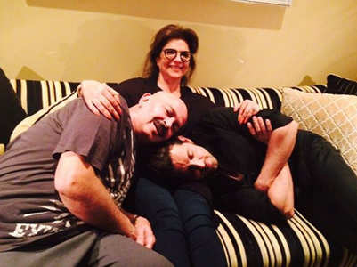 Hrithik's mother tests positive for COVID-19