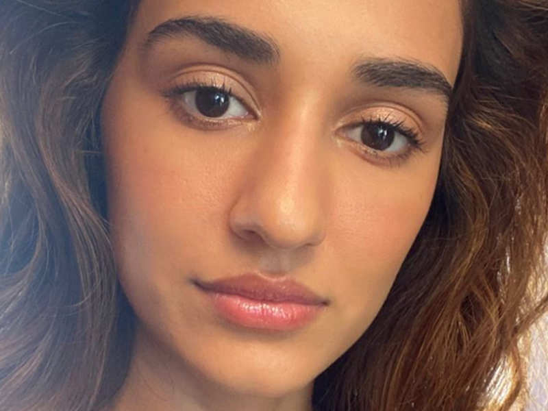 Disha Patani's beautiful makeup is winning hearts from all over the internet