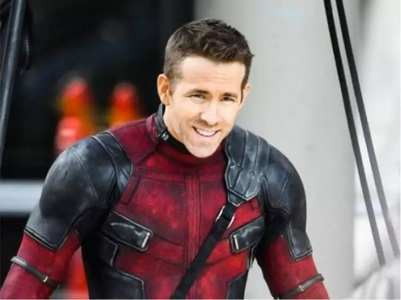 Check out Ryan Reynolds' witty tweets