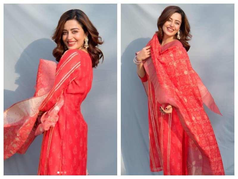 Photos: Nehha Pendse looks ravishing in THIS traditional dress