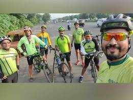 Mumbai cyclists don green for a Navratri 'navride'