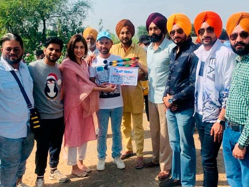 Tarsem Jassar and Ranjit Bawa kick start the shoot of their new movie