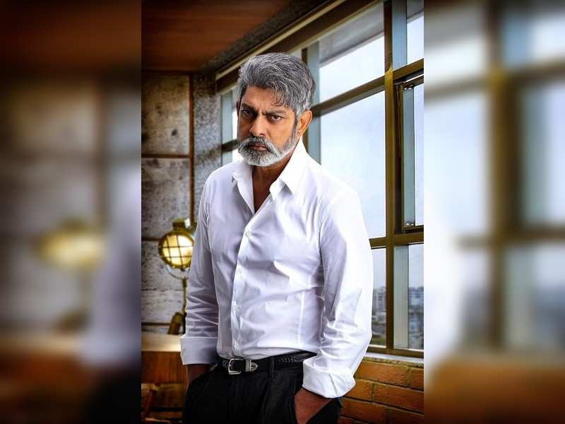 Jagapathi Babu reveals details about his role in Roberrt